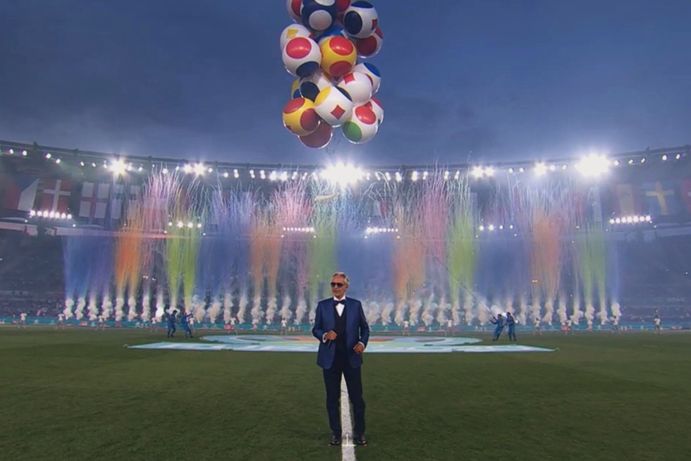 Lễ khai mạc Euro 2020 đơn giản và ấn tượng - Ảnh 11.