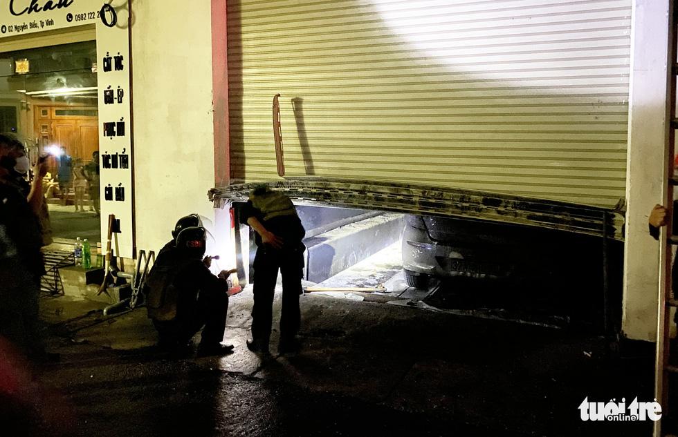 Dân đang xem Euro nghe tiếng nổ, phòng trà lớn cháy dữ dội, phát hiện 6 người chết - Ảnh 8.