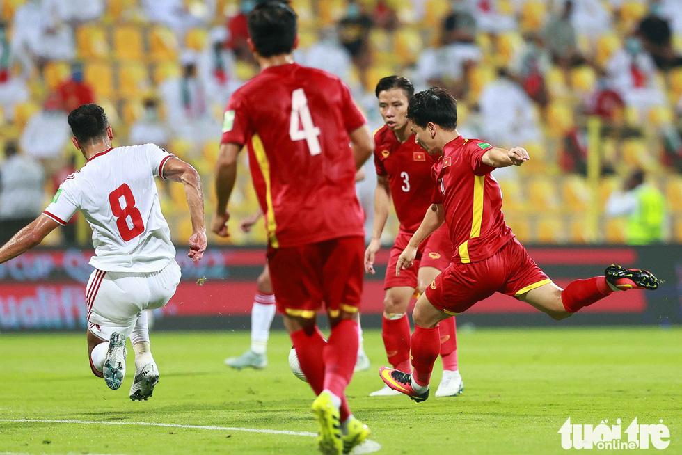 Minh Vương không chỉ kiến tạo, mà còn ghi bàn trong trận Việt Nam - UAE - Ảnh 1.