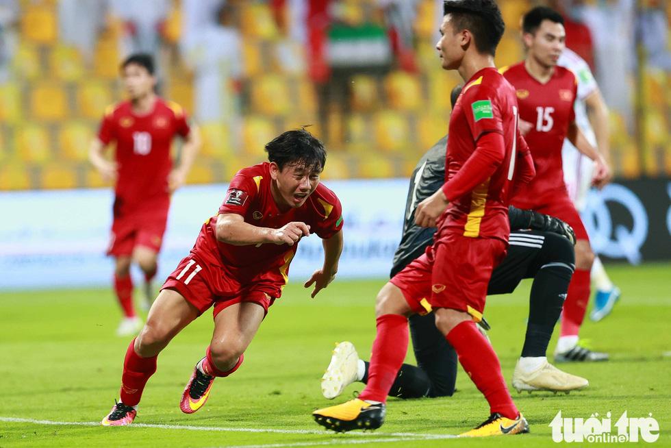 Minh Vương không chỉ kiến tạo, mà còn ghi bàn trong trận Việt Nam - UAE - Ảnh 7.