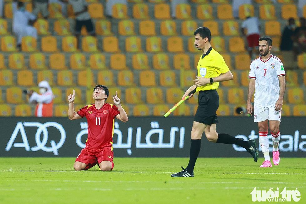 Minh Vương không chỉ kiến tạo, mà còn ghi bàn trong trận Việt Nam - UAE - Ảnh 10.