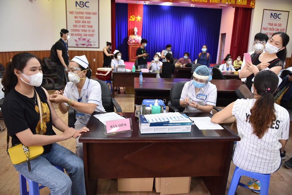 Việt Nam sẽ đạt miễn dịch cộng đồng trong năm nay? - Ảnh 4.