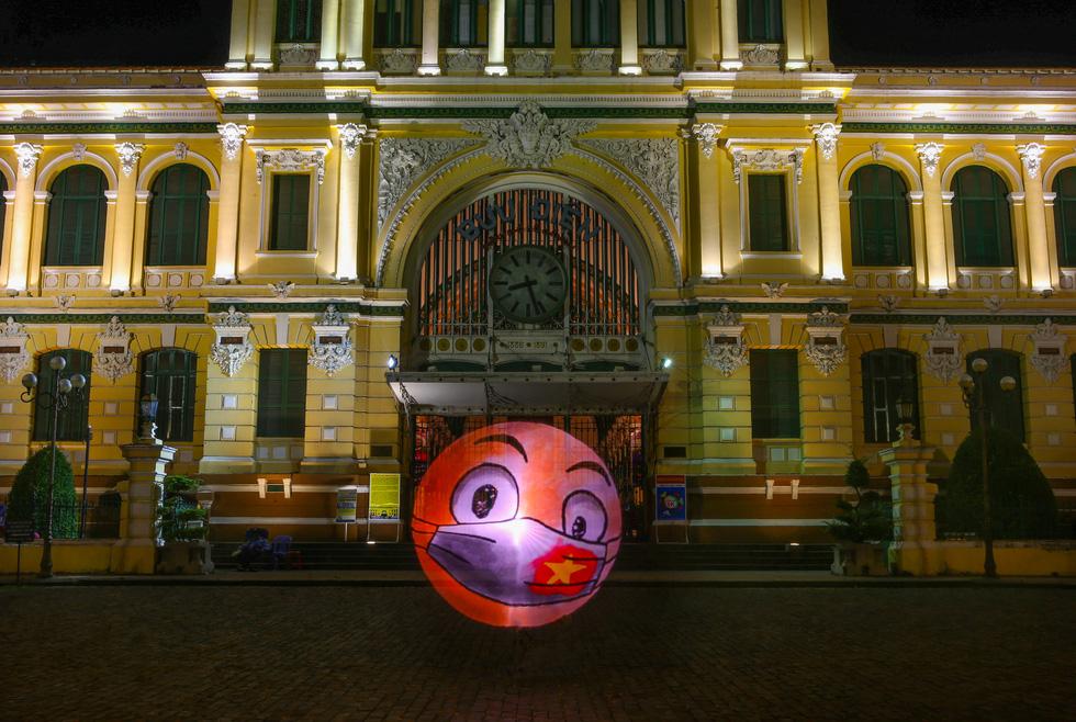 Chụp Saigon Strong, mong thành phố vững vàng qua mùa dịch - Ảnh 1.