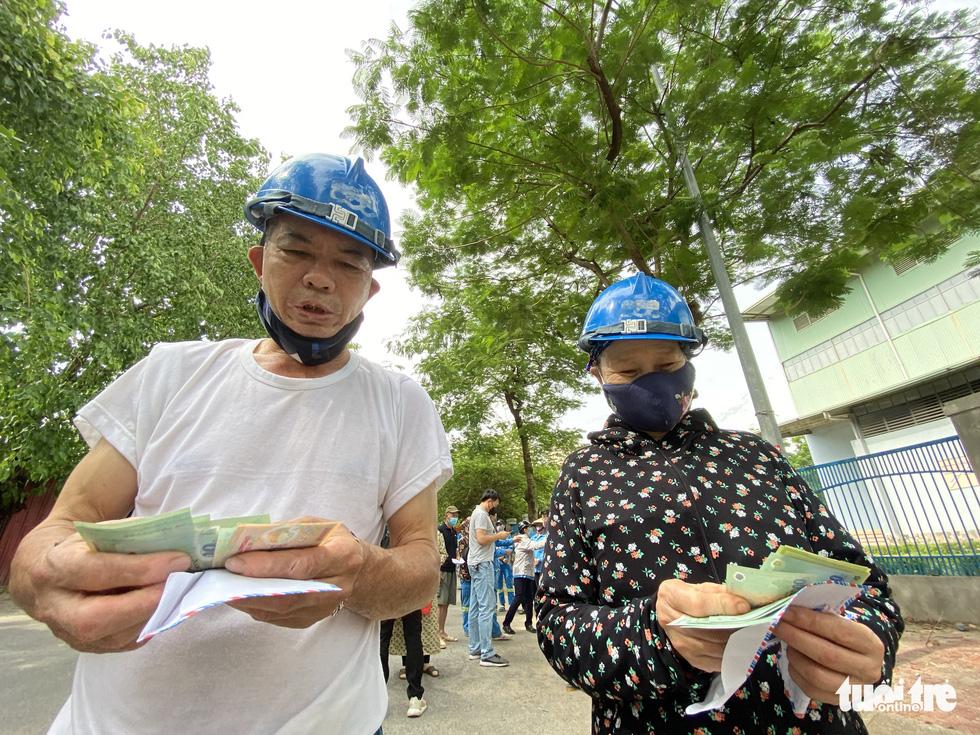 Công nhân môi trường bị nợ lương: 'Được cộng đồng quan tâm, chị em hạnh phúc lắm' - Ảnh 5.