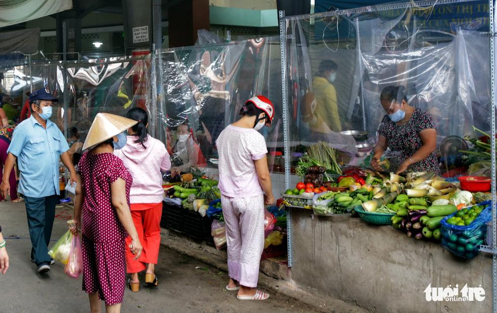 Đi chợ mua đồ ăn qua vách ngăn - Ảnh 3.