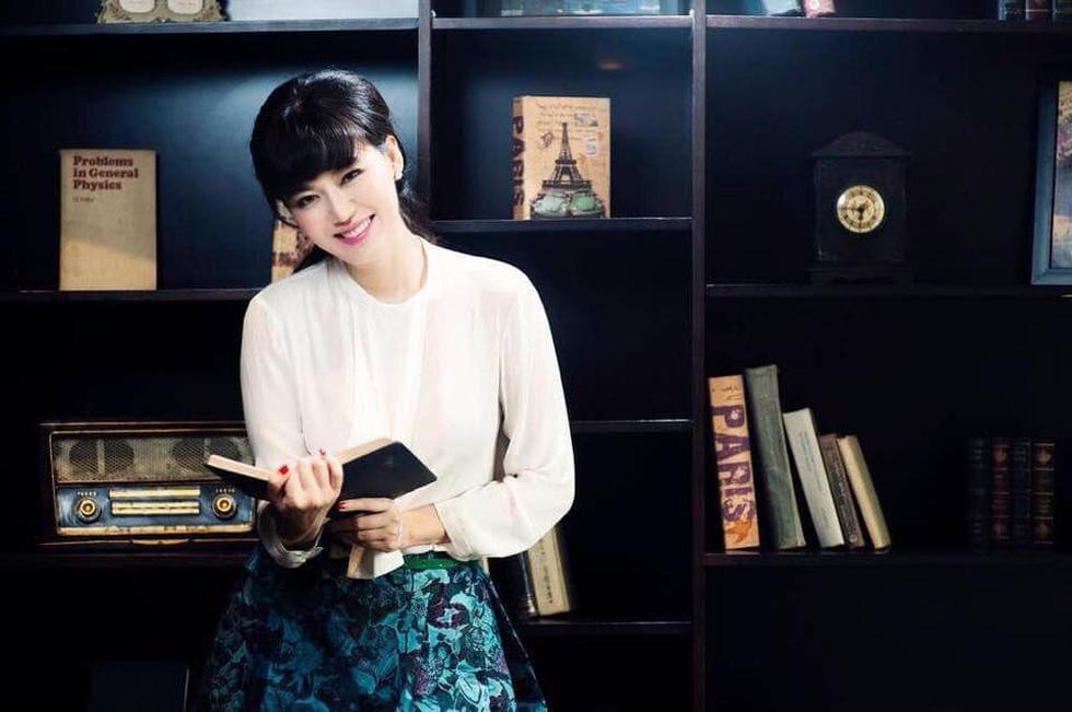 Sự viết và sự đọc của hoa hậu Nguyễn Thu Thủy - Ảnh 1.