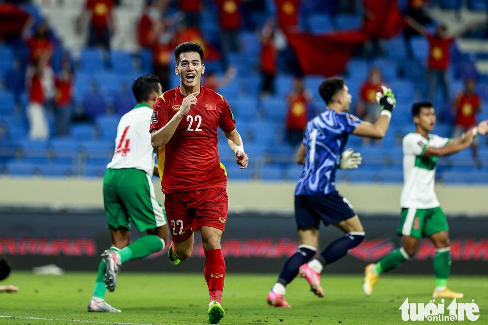 Hình ảnh khoảnh khắc quyết định trận đấu giữa Việt Nam và Indonesia - Ảnh 2.