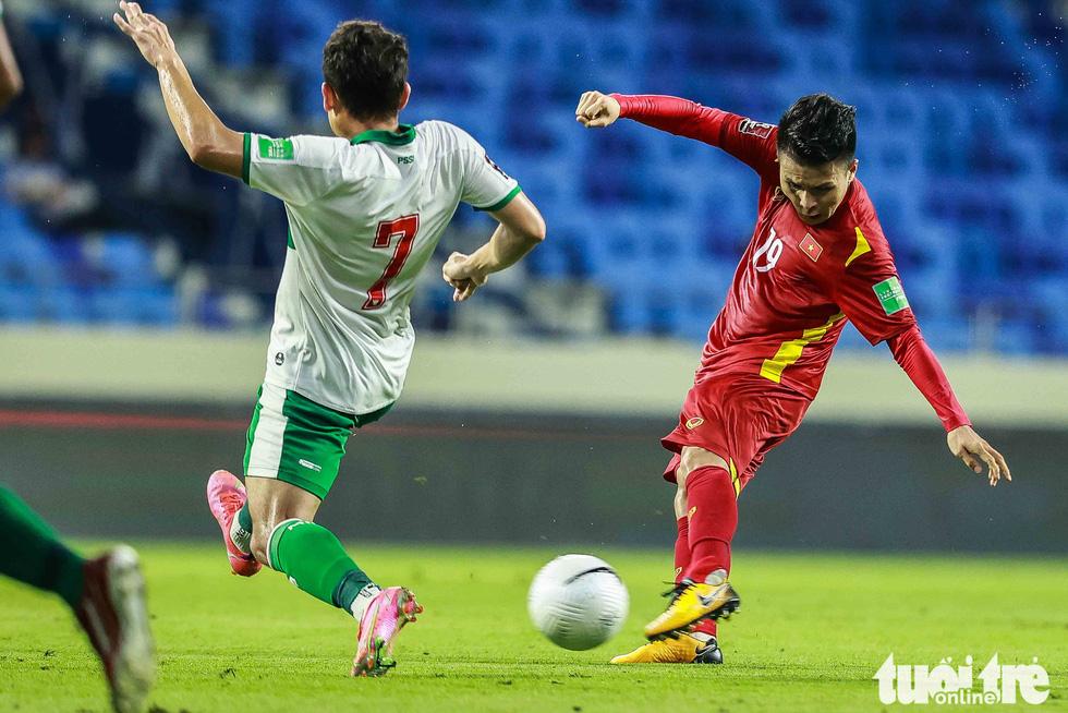 Hình ảnh khoảnh khắc quyết định trận đấu giữa Việt Nam và Indonesia - Ảnh 4.