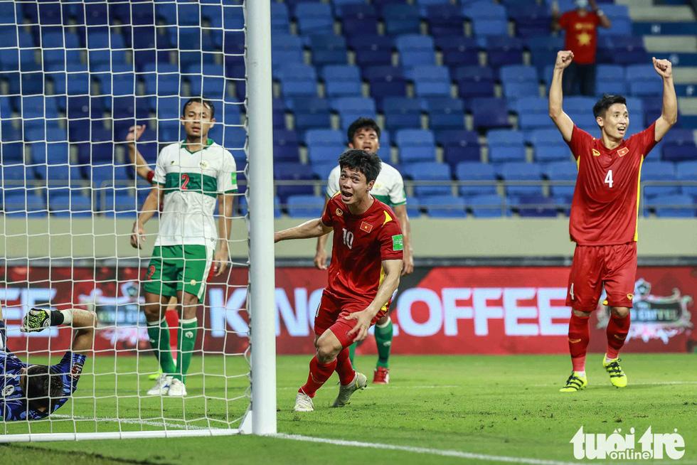 Hình ảnh khoảnh khắc quyết định trận đấu giữa Việt Nam và Indonesia - Ảnh 6.