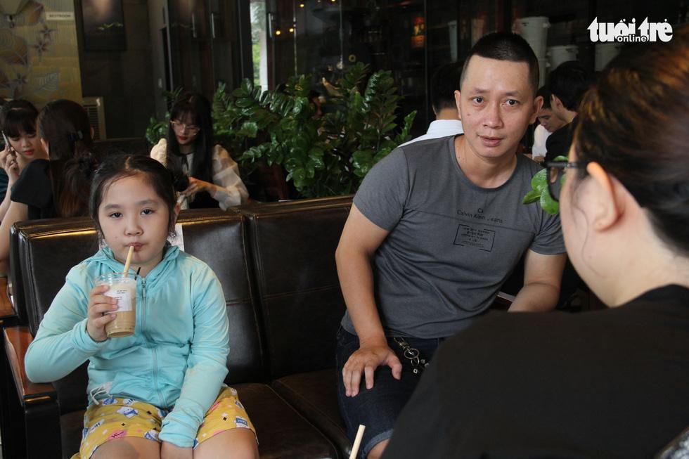 Dân Đà Nẵng tìm lại cảm giác quán xá sau một tháng đóng cửa - Ảnh 1.