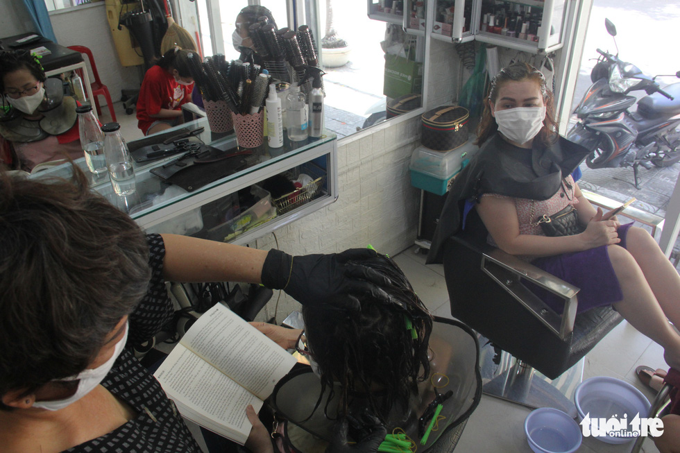 Dân Đà Nẵng tìm lại cảm giác quán xá sau một tháng đóng cửa - Ảnh 7.