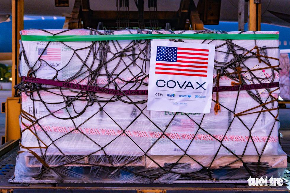 2 triệu liều vắc xin Mỹ tặng đã về đến Việt Nam - Ảnh 7.