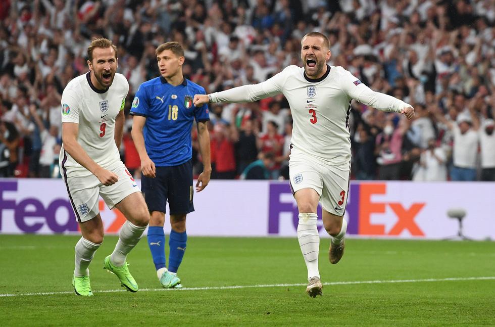Những khoảnh khắc định đoạt trận chung kết Euro 2020 - Ảnh 3.