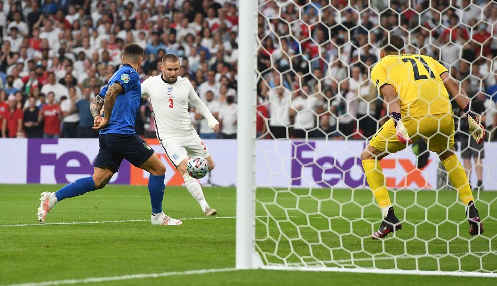 Những khoảnh khắc định đoạt trận chung kết Euro 2020 - Ảnh 2.
