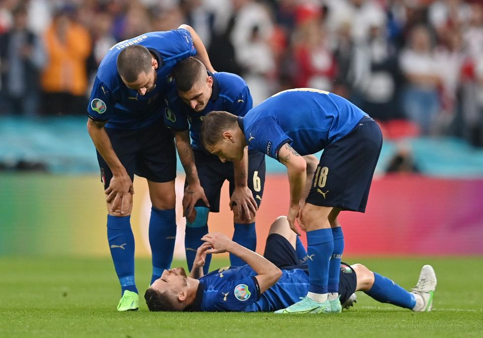 Những khoảnh khắc định đoạt trận chung kết Euro 2020 - Ảnh 6.