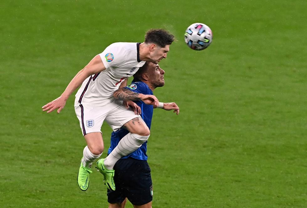 Những khoảnh khắc định đoạt trận chung kết Euro 2020 - Ảnh 5.