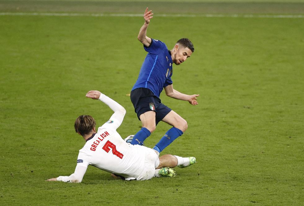 Những khoảnh khắc định đoạt trận chung kết Euro 2020 - Ảnh 16.