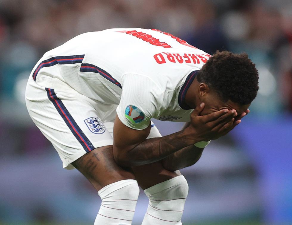 Những khoảnh khắc định đoạt trận chung kết Euro 2020 - Ảnh 19.