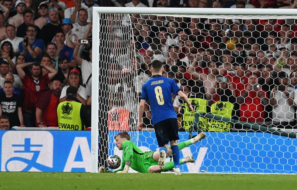 Những khoảnh khắc định đoạt trận chung kết Euro 2020 - Ảnh 20.