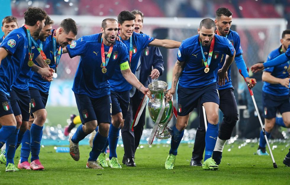 Những khoảnh khắc định đoạt trận chung kết Euro 2020 - Ảnh 1.