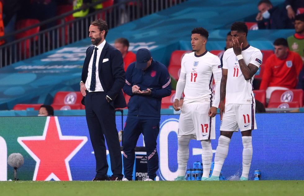 Những khoảnh khắc định đoạt trận chung kết Euro 2020 - Ảnh 17.