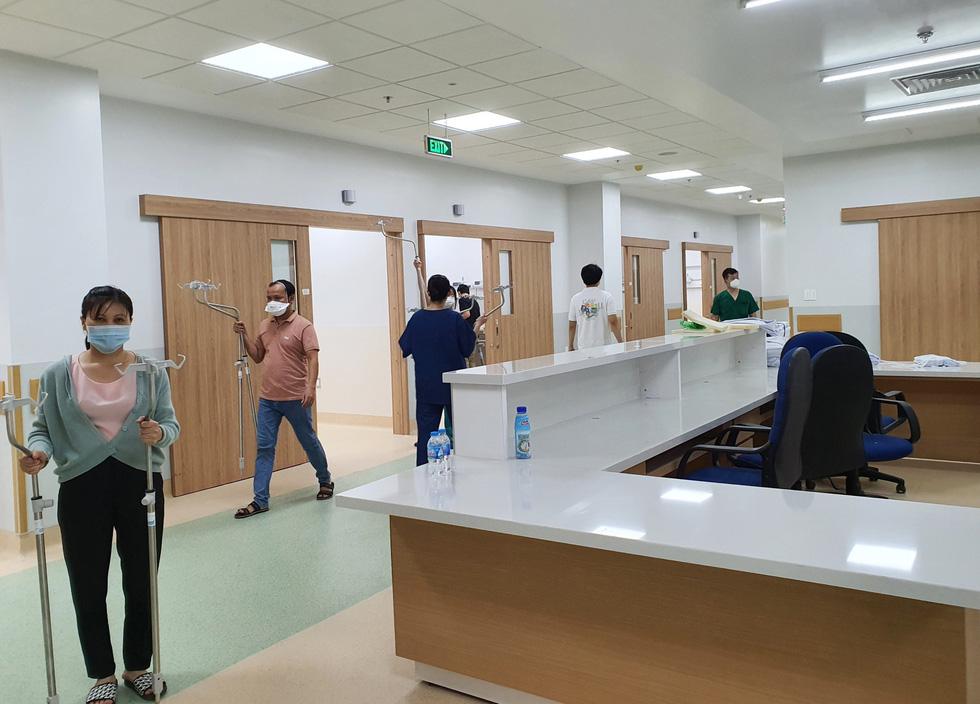 Cận cảnh bệnh viện 1.000 giường điều trị bệnh nhân COVID-19 nặng - Ảnh 6.