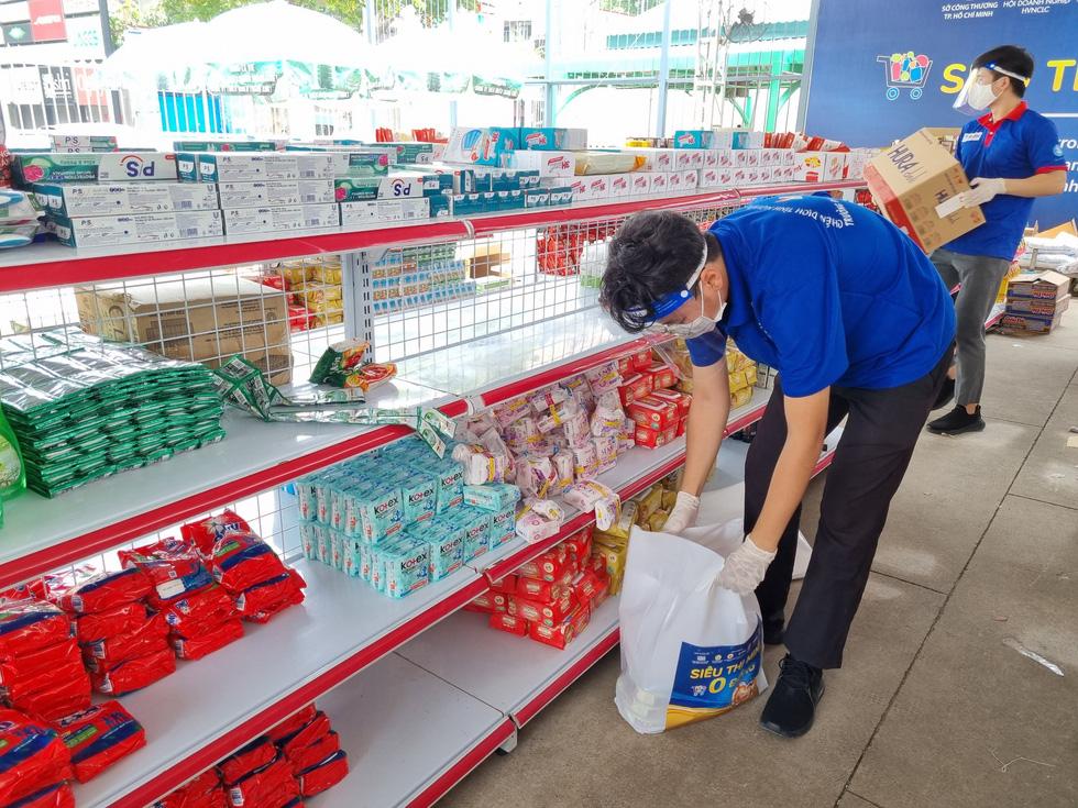 Thêm 50.000 phiếu mua hàng siêu thị 0 đồng tặng lao động nghèo, sinh viên - Ảnh 3.