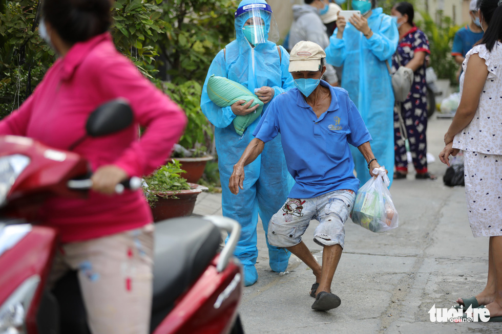 Nhận cá gửi từ Đà Nẵng, người dân bị phong tỏa ở TP.HCM 'khắc ghi mãi ân tình - Ảnh 7.