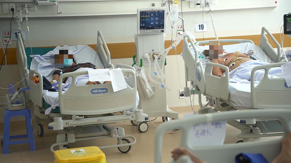 Sau 4 ngày, bệnh viện hồi sức 1.000 giường tiếp nhận khoảng 160 bệnh nhân nặng, nguy kịch - Ảnh 2.