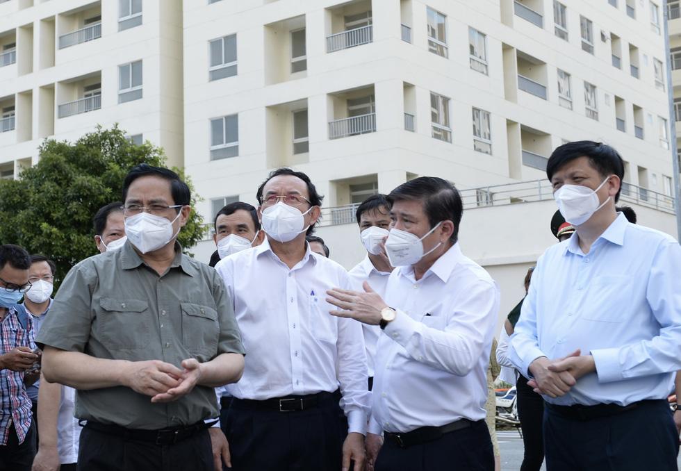 Chủ tịch Nguyễn Thành Phong gửi thư đến người dân TP.HCM: 8 giải pháp hiệu quả để chống dịch - Ảnh 3.