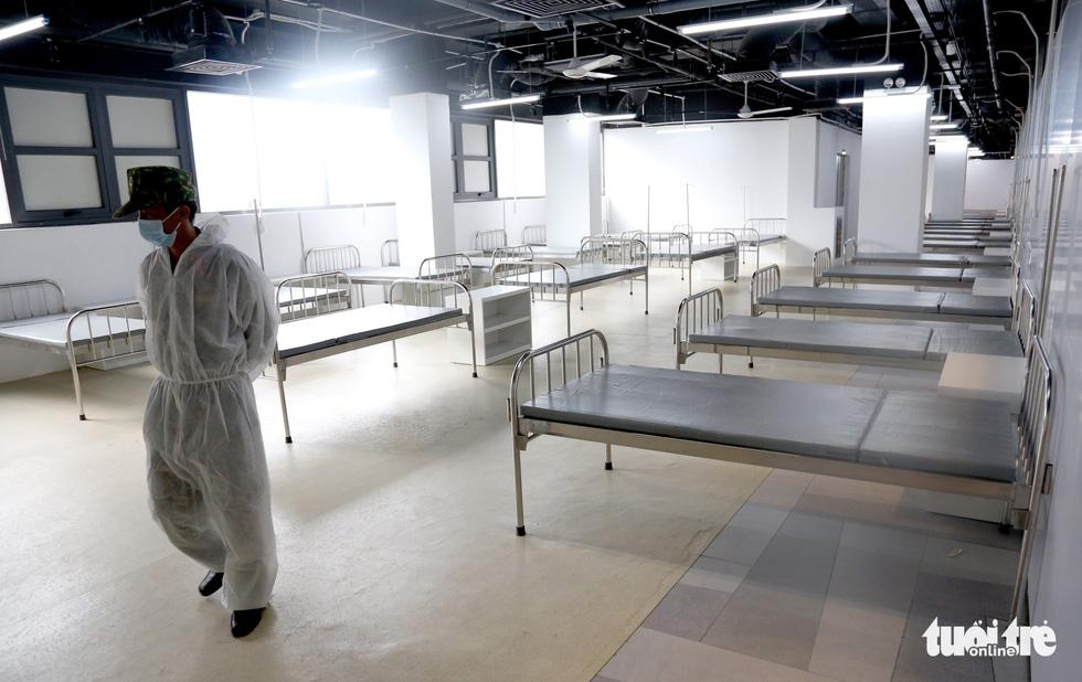 Bên trong Bệnh viện dã chiến số 5 Thuận Kiều Plaza trước giờ nhận bệnh - Ảnh 10.