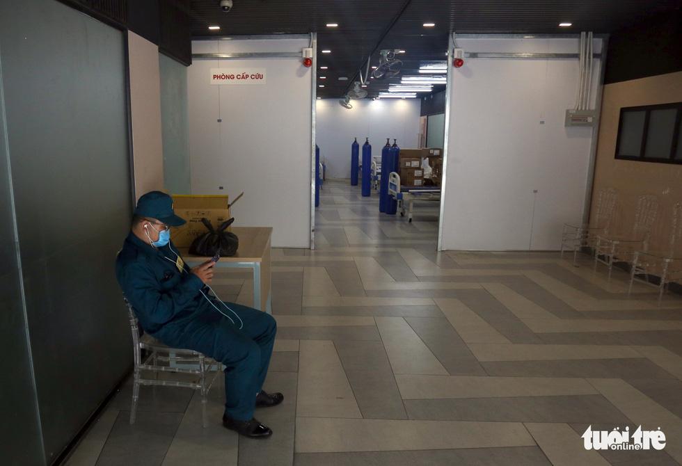 Bên trong Bệnh viện dã chiến số 5 Thuận Kiều Plaza trước giờ nhận bệnh - Ảnh 2.