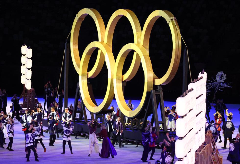 Đài lửa đã được thắp sáng, Olympic 2020 chính thức khai mạc - Ảnh 34.