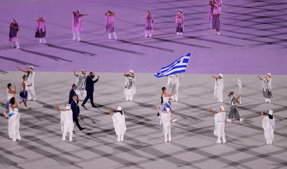 Đài lửa đã được thắp sáng, Olympic 2020 chính thức khai mạc - Ảnh 33.