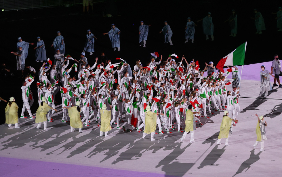 Đài lửa đã được thắp sáng, Olympic 2020 chính thức khai mạc - Ảnh 30.