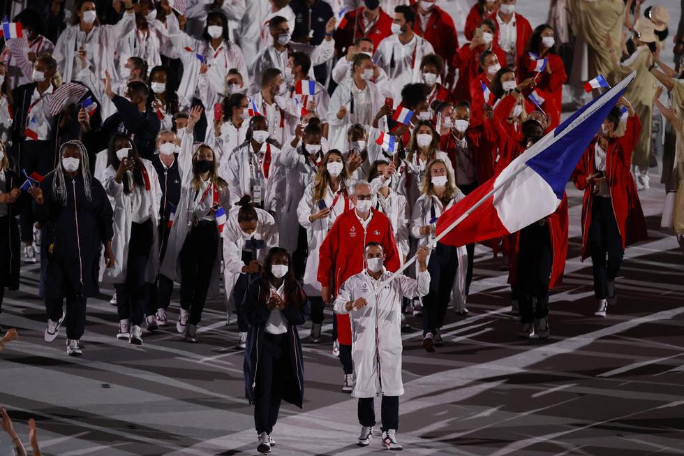 Đài lửa đã được thắp sáng, Olympic 2020 chính thức khai mạc - Ảnh 15.