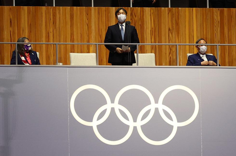 Đài lửa đã được thắp sáng, Olympic 2020 chính thức khai mạc - Ảnh 10.