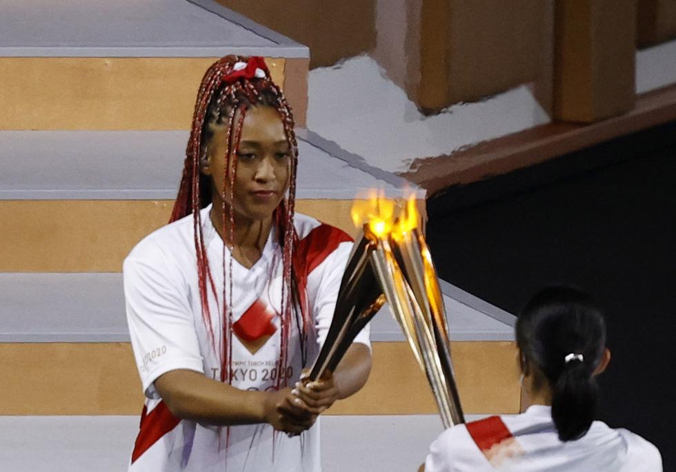 Đài lửa đã được thắp sáng, Olympic 2020 chính thức khai mạc - Ảnh 7.
