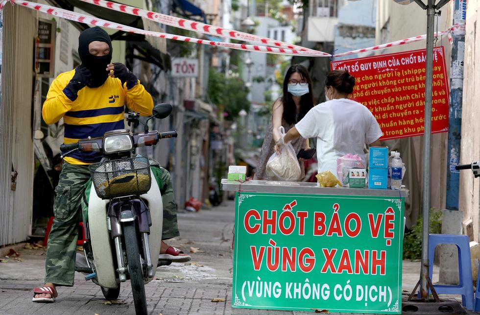 Những chốt chặn bảo vệ vùng xanh ở Sài Gòn - Ảnh 6.