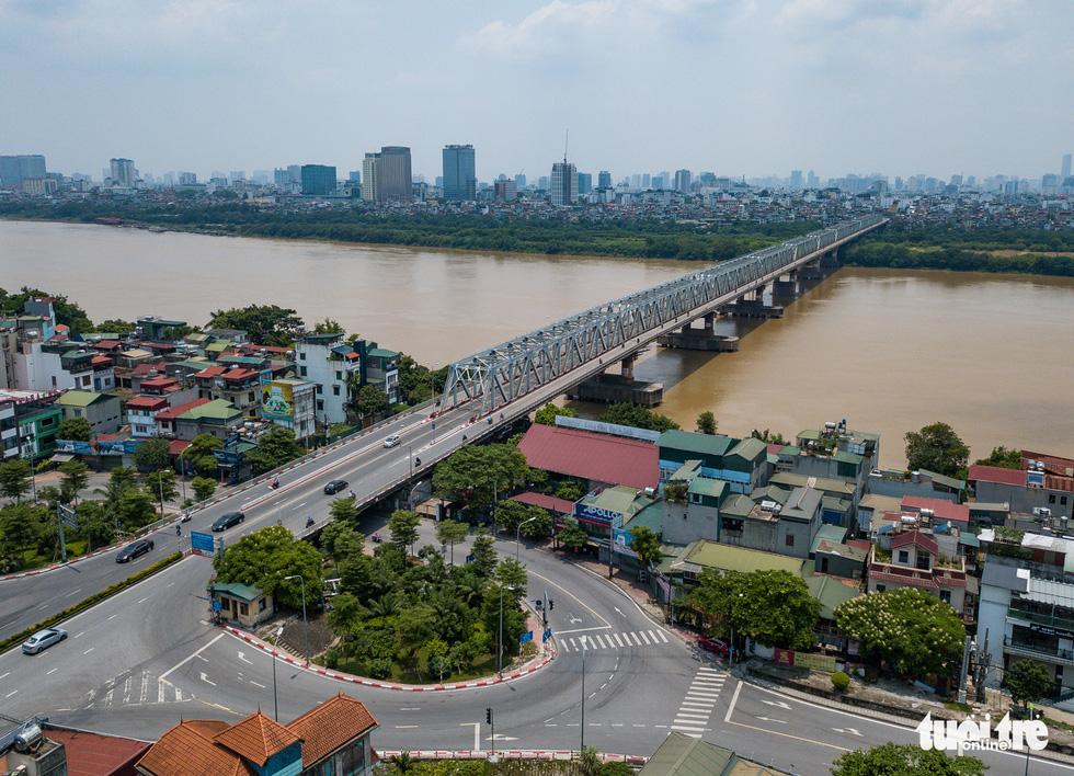 Nhìn từ trên cao, Hà Nội vắng vẻ vì giãn cách xã hội - Ảnh 9.