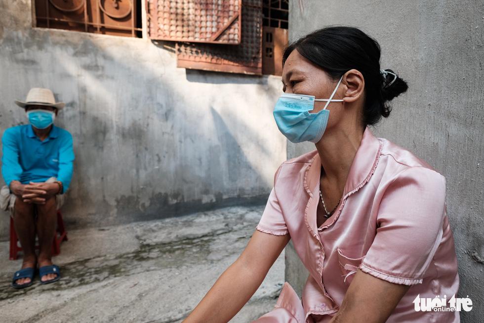 Những phận người xóm chạy thận nơi rìa thành phố trong dịch bệnh - Ảnh 7.