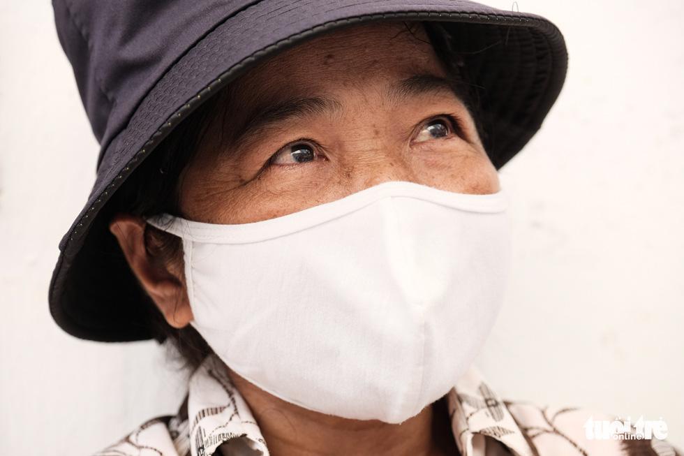 Những phận người xóm chạy thận nơi rìa thành phố trong dịch bệnh - Ảnh 2.