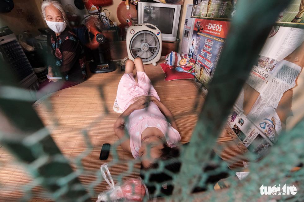 Những phận người xóm chạy thận nơi rìa thành phố trong dịch bệnh - Ảnh 4.