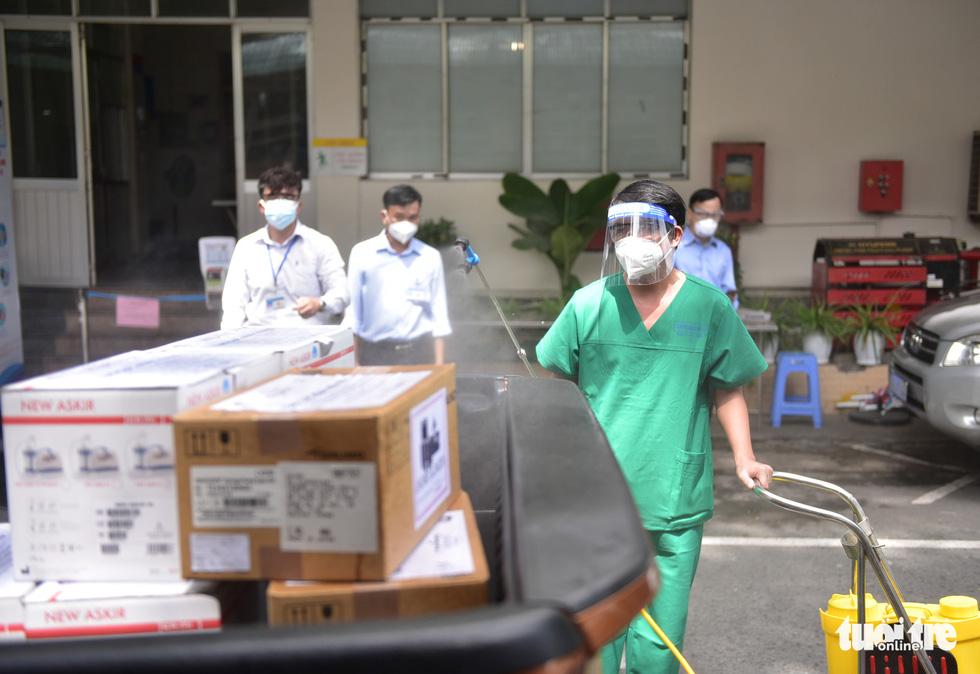 Thêm vũ khí để chiến đấu chống dịch COVID-19 tại Bệnh viện Nhân dân 115 và Bệnh viện Thống Nhất - Ảnh 2.