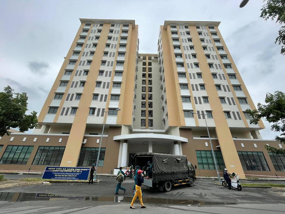 Chung cư đầu tiên ở TP.HCM chuyển thành bệnh viện điều trị COVID-19 với 2.500 giường - Ảnh 1.