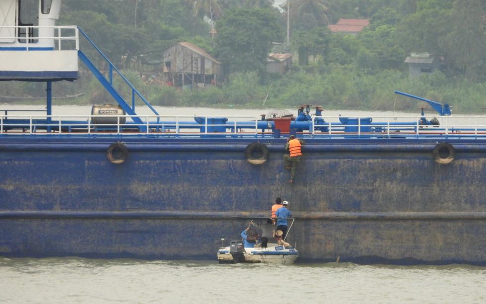 Phòng dịch trên dòng Mekong - Ảnh 1.