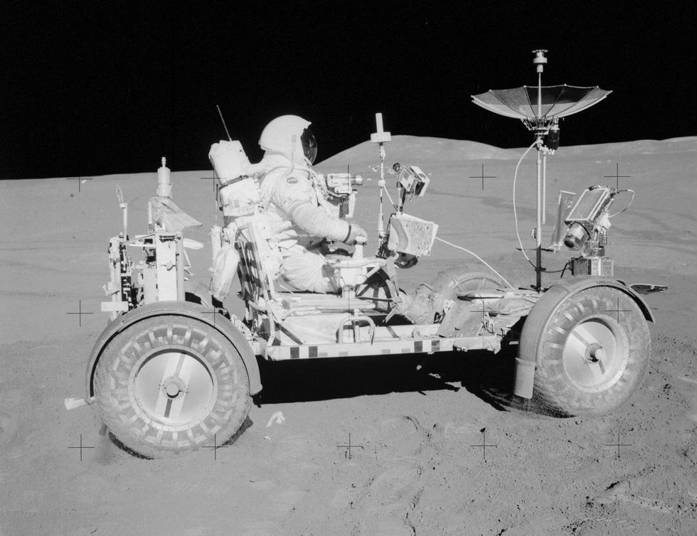 50 năm con người lái xe trên Mặt trăng - Ảnh 1.