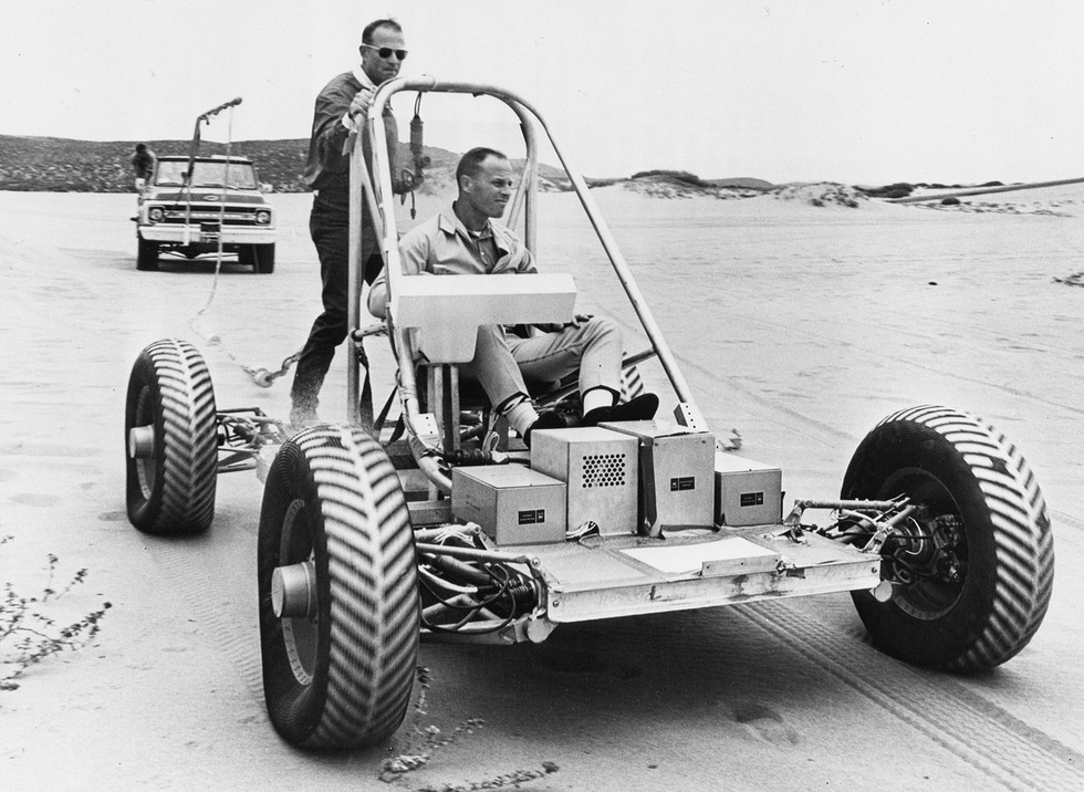 50 năm con người lái xe trên Mặt trăng - Ảnh 2.
