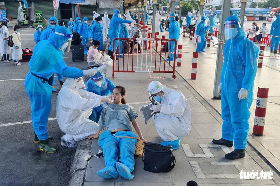 Thêm 1.500 bà con Đắk Lắk, Kiên Giang, Phú Yên về quê tránh dịch - Ảnh 3.