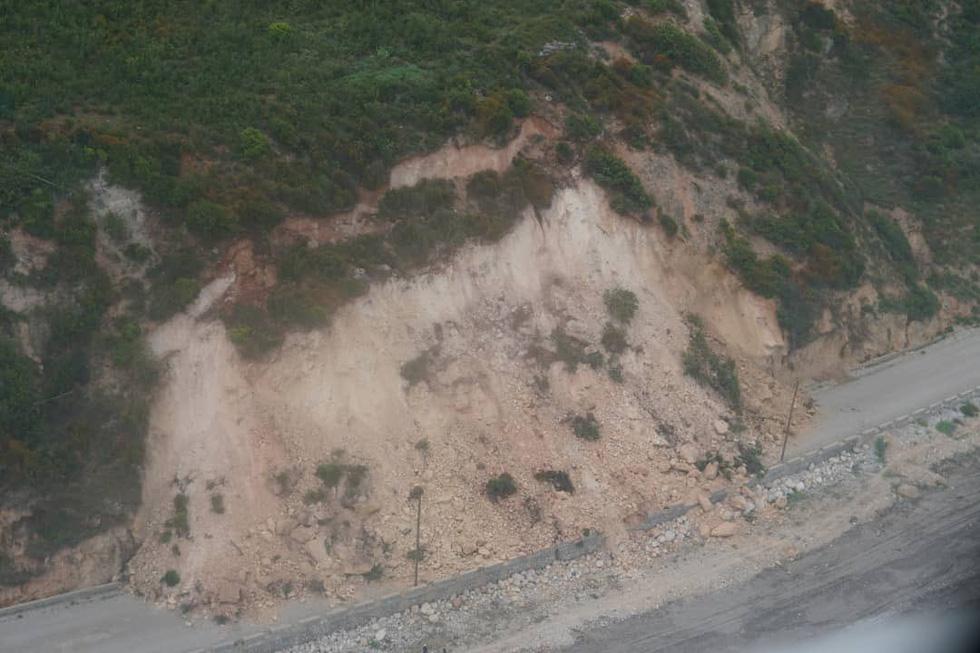 Chùm ảnh thảm họa động đất ở Haiti, hơn 300 người chết - Ảnh 13.